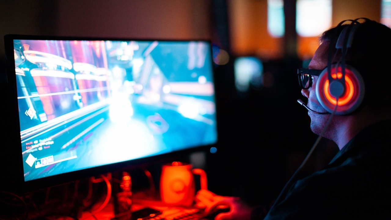 Honors College and Student Affairs Launch a Varsity Esports Program